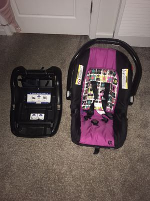 Baby trend car seat infant for Sale in Lexington, KY
