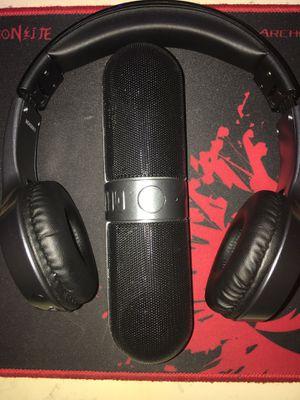 Bluetooth speaker + headphones for Sale in Hallandale Beach, FL