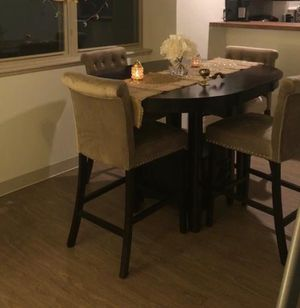 Dining room table with 4 chairs for Sale in Pittsburgh, PA