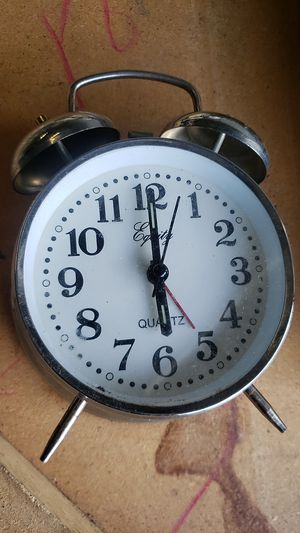 Alarm Real Alarm Clock for Sale in Edgewood, WA