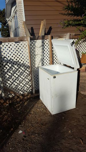 Frigidaire small chest freezer for Sale in Ceres, CA