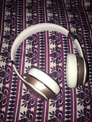 Beats Solo 3 Wireless Rose Gold for Sale in Philadelphia, PA