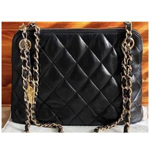 Authentic! Chanel purse bag for Sale in Issaquah, WA