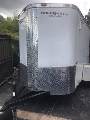 5 x 8 V-Nose Enclosed cargo Trailer with side door and door ramp for Sale in Miami, FL
