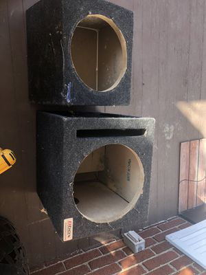 """12"""" subwoofer box and wiring kit for Sale in Greensburg, PA"""