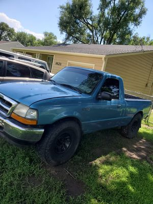 1999 Ford Ranger 5 speed manual for Sale in Wichita, KS
