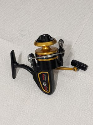Serviced Penn 430 SS Spinning Reel. Very Nice Condition. Ready for fishing. for Sale in Miami, FL