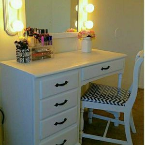 Makeup Vanity for Sale in Anaheim, CA