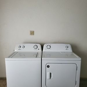 SET WASHER AND DRYER AMANA BY WHIRLPOOL GOOD CONDITION BOTH ELECTRIC HEAVY DUTY for Sale in Fort Worth, TX