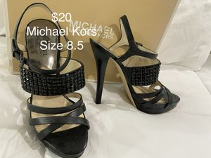 🔥Michael Kors black studded sandals, high heels, platform, size 8.5 Great condition Comes in original box for Sale in Westminster, CA