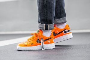 """Nike Air Force 1 '07 Premium """"Just Do it"""" in Total Orange Size 11 for Sale in Clifton, VA"""