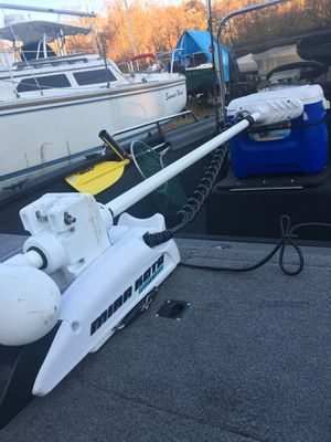 1999 18' Alumacraft Center Console Bay Boat/Trailer for Sale in Fort Washington, MD
