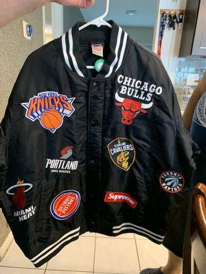 Supreme jacket NIKE/NBA teams warm-up jacket black for Sale in Weston, FL