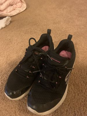 Free free free size 5 sketchers for Sale in Wildomar, CA