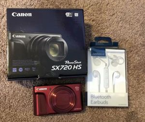 Canon Powershot SX720HS camera & bluetooth earbuds for Sale in Selinsgrove, PA
