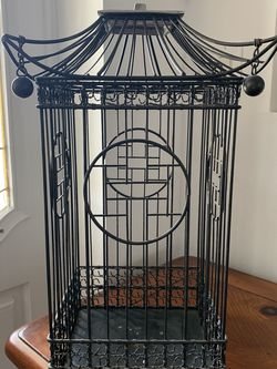 """Metal Small Bird Cage 17"""" tall x 9.5"""" wide for Sale in Hobe Sound,  FL"""