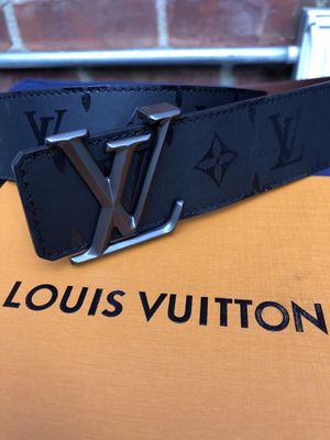 Louis Vuitton belt Pyramid reversible Black and Brown Unisex 115 cm 40/42 inch waist for Sale in New York, NY