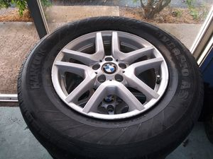 BMW X5 17 inch rims (4) 235/70/17 Michelin tires for Sale in Riviera Beach, FL