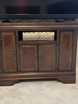 Corner TV Stand for Sale in Vancouver,  WA