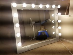 Vanity Makeup mirror for Sale in Corona, CA