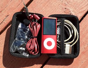 Product Red iPod Mini 4GB w/ Hard Case, Earbuds and Charger for Sale in Hemet, CA