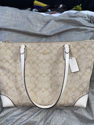 Coach purse for Sale in Arlington, TX