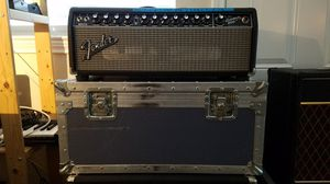 FENDER BASSMAN 800 W/ ROAD CASE for Sale in Dallas, TX