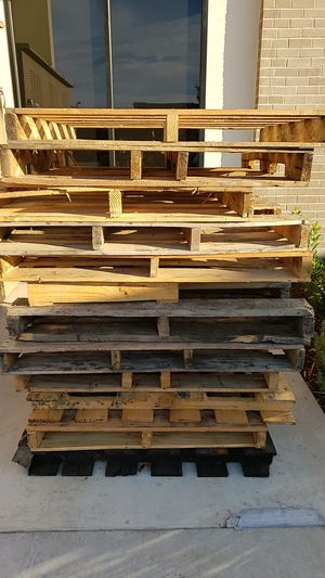 12.5 Free Pallets (Pick-up Required) for Sale in Elk Grove, CA
