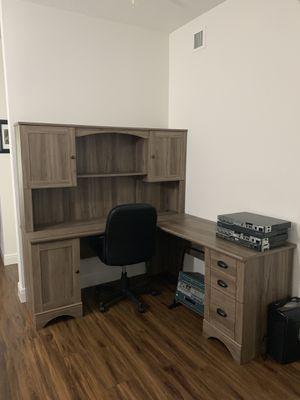 Corner Desk for Sale in Miramar, FL