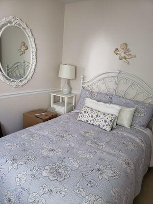 Bedroom set (see description) for Sale in Manchester Township, NJ