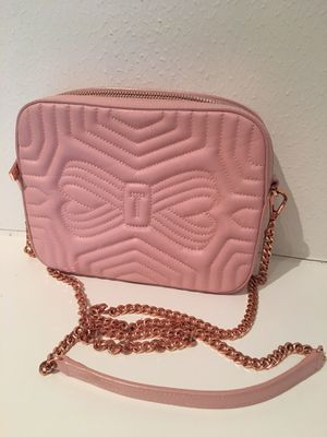 Ted Baker pink crossbody with rose gold metal chain for Sale in Houston, TX