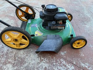"""Weed Eater 22"""" High Wheel Gas Powered Lawn Mower for Sale in Miami Gardens, FL"""