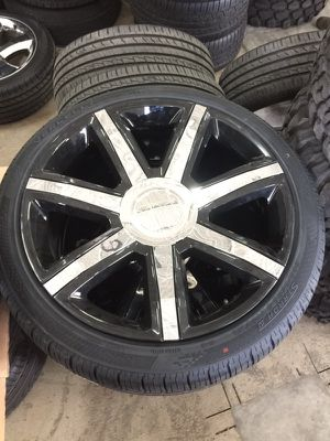 """24"""" rims black with chrome inserts Yukon,Escalade with brand new Vercelli tires t for Sale in Warren, MI"""