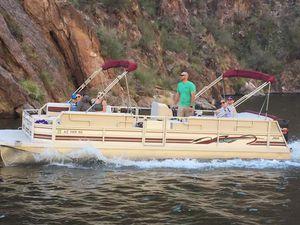 1999 24' JC pontoon with Merc. 125hp 2stroke for Sale in Chandler, AZ