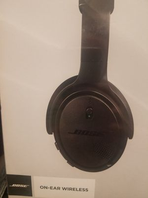 Bose bluetooth headphones for Sale in Carson, CA