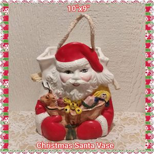 CERAMIC SANTA CHRISTMAS VASE / FLOWER POT for Sale in Ontario, CA