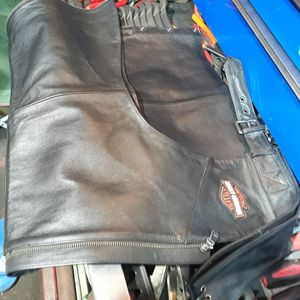 Harley Davidson leather chaps for Sale in Florissant, MO