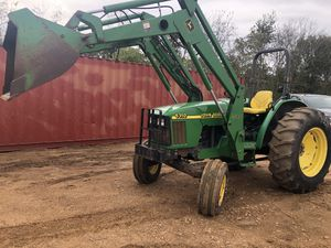 5310 John deer diesel tractor with self leveling loader, 65 hp for Sale in Hockley, TX