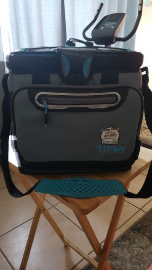 TITAN cooler pack for Sale in Fresno, CA