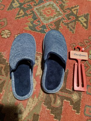 New DearFoam Slippers - Size 7-8 for Sale in Fontana, CA