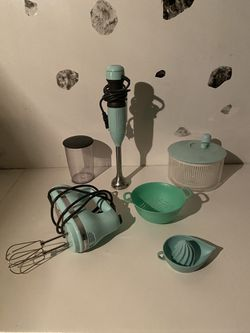 Blue Kitchen aid / Kitchen essentials for Sale in Brooklyn,  NY