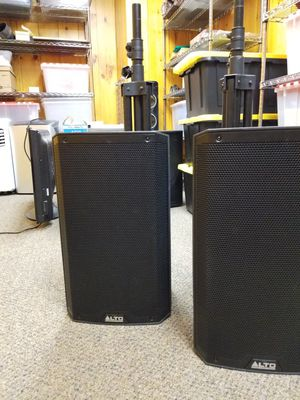 Alto Pro and Mackie DJ Speakers and Sub for Sale in Brunswick, ME