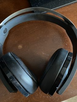 Sony PlayStation 4 Wireless Platinum Headset for Sale in Queens,  NY