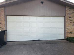 GARAGE DOOR and opener good precio for Sale in Houston, TX
