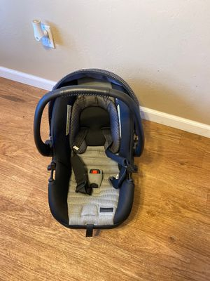 Safety 1st On Board 35 LT baby car seat for Sale in San Diego, CA