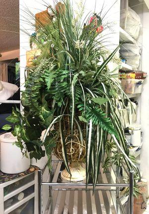 Fake Victorian Plant Arrangement for Sale in Kennewick, WA