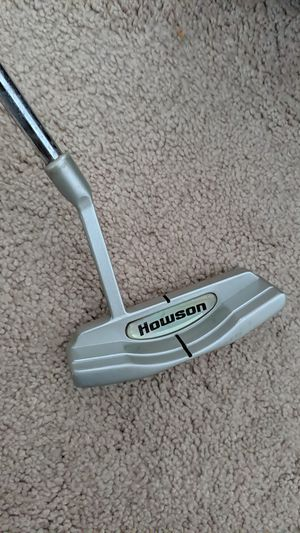 Simple Right Handed Golf Putter for Sale in Plainville, MA