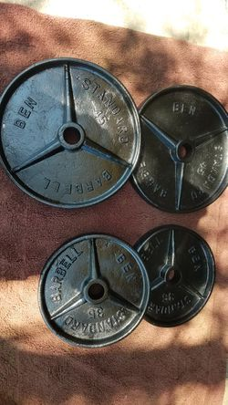 """BEN. 2"""" OLYMPIC PLATES TOTAL 160LBs for Sale in Summit, IL"""