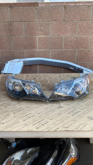 GENUINE | 2012 2013 2014 Toyota Camry Halogen Headlight (Right/Left ) OEM for Sale in Torrance, CA