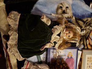 Antique Collecror's Antique Porcelain doll for Sale in Piedmont, SC